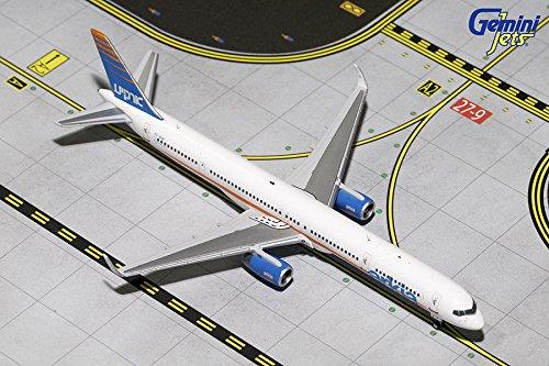 Gemini Jets Arkia B757-300 1400 scale Airplane