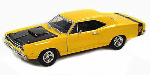 1969 Dodge Coronet Super Bee Yellow With Black Hood - Motormax Premium American 73315 - 124 Scale Diecast Model Car