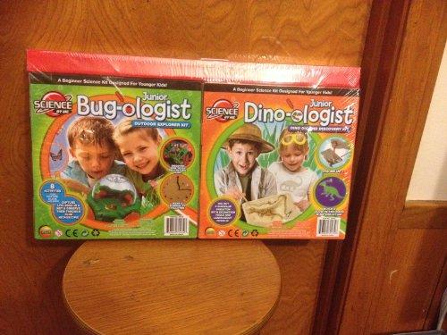 Super Science Set 2 Pack Junior Dino-ologist and Junior Bug-ologist
