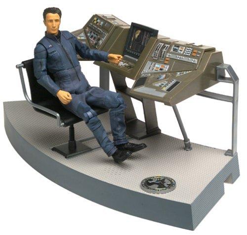 Star Trek Enterprise Broken Bow Lt Malcolm Reed Deluxe Action Figure by Art Asylum
