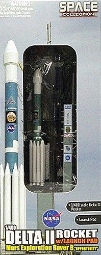 Dragon Models 1400 Delta II Rocket 7925 Heavy with Launch Pad