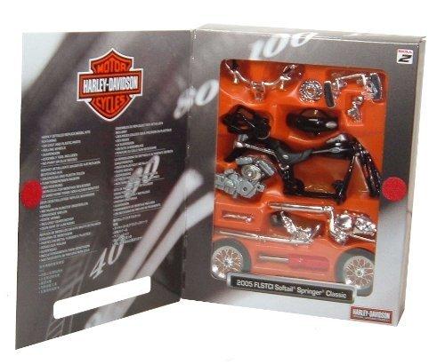 Harley Davidson Softail Springer Classic 2005 Kit in Black 118 scale Diecast Model Motorbike Kit