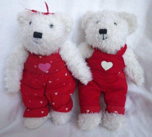 Hallmark Valentine Kissing Blushing 9 Plush Bears
