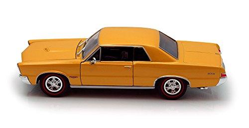Welly 1965 Pontiac GTO Gold 22092 - 124 Scale Diecast Model Toy Car