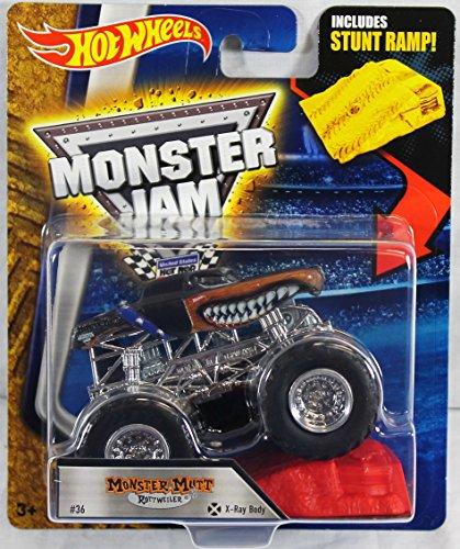 Hot Wheels Monster Jam 164 Scale Truck with Stunt Ramp - Monster Mutt Rottweiler X-Ray Body 36