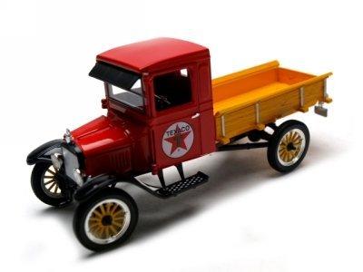 1923 Ford Model TT Diecast Model Truck 132 Texaco by Signature Models