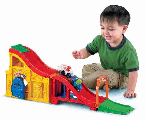 Fisher-Price Little People Wheelies Rev n Sounds Race Track