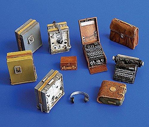 Plus Model 135 German Radio Set w Enigma Resin Gypsom Diorama Accessory 249