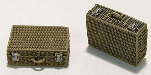 Plus Model 135 Suitcase Resin Diorama Accessory EL011