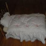 American-Girl-Samantha-Brass-Bed-for-18-Dolls-10.jpg